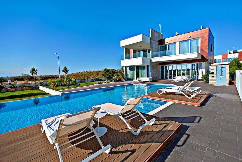 Аренда виллы кипр на берегу моря недвижимость в греции недорого