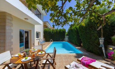 Уютная вилла  ЛИНДОС 22 с бассейном и садом в нескольких минутах пешком от пляжа СИРИНА