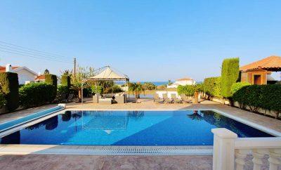 Вилла ДАФНИ ПРЕМИУМ с 4 спальнями, огромным бассейном и территорией, рядом с пляжем Малама бич