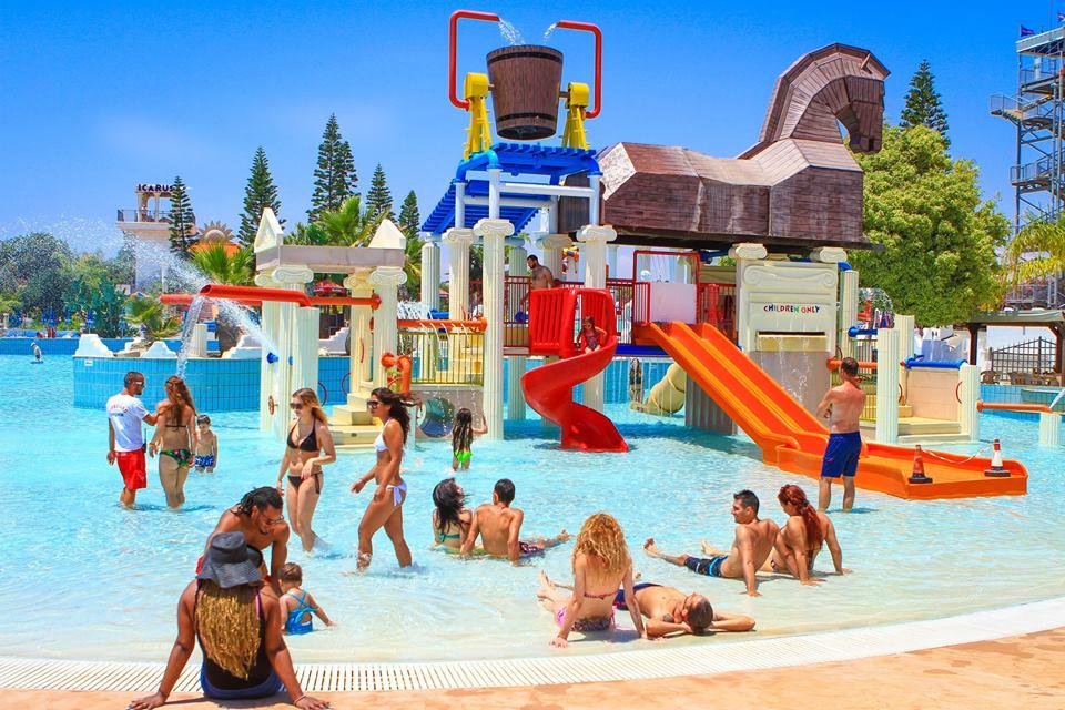Развлечения в Айя-Напе: аква-парки, лунапарки, кораблики и другое