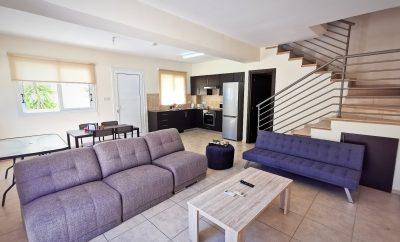 КРОКУС ХАУС — двухспальный коттедж в 7 минутах от побережья Протараса